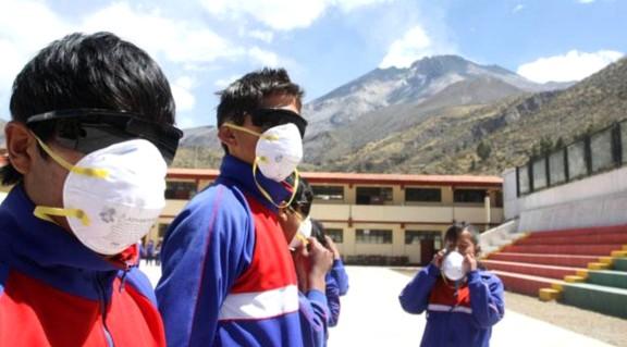 estado de emergencia perú volcan ubinas mn2